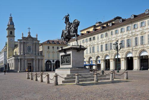 Piazza San Carlo con la statua di Emanuele Filiberto e la Chiesa San Carlo