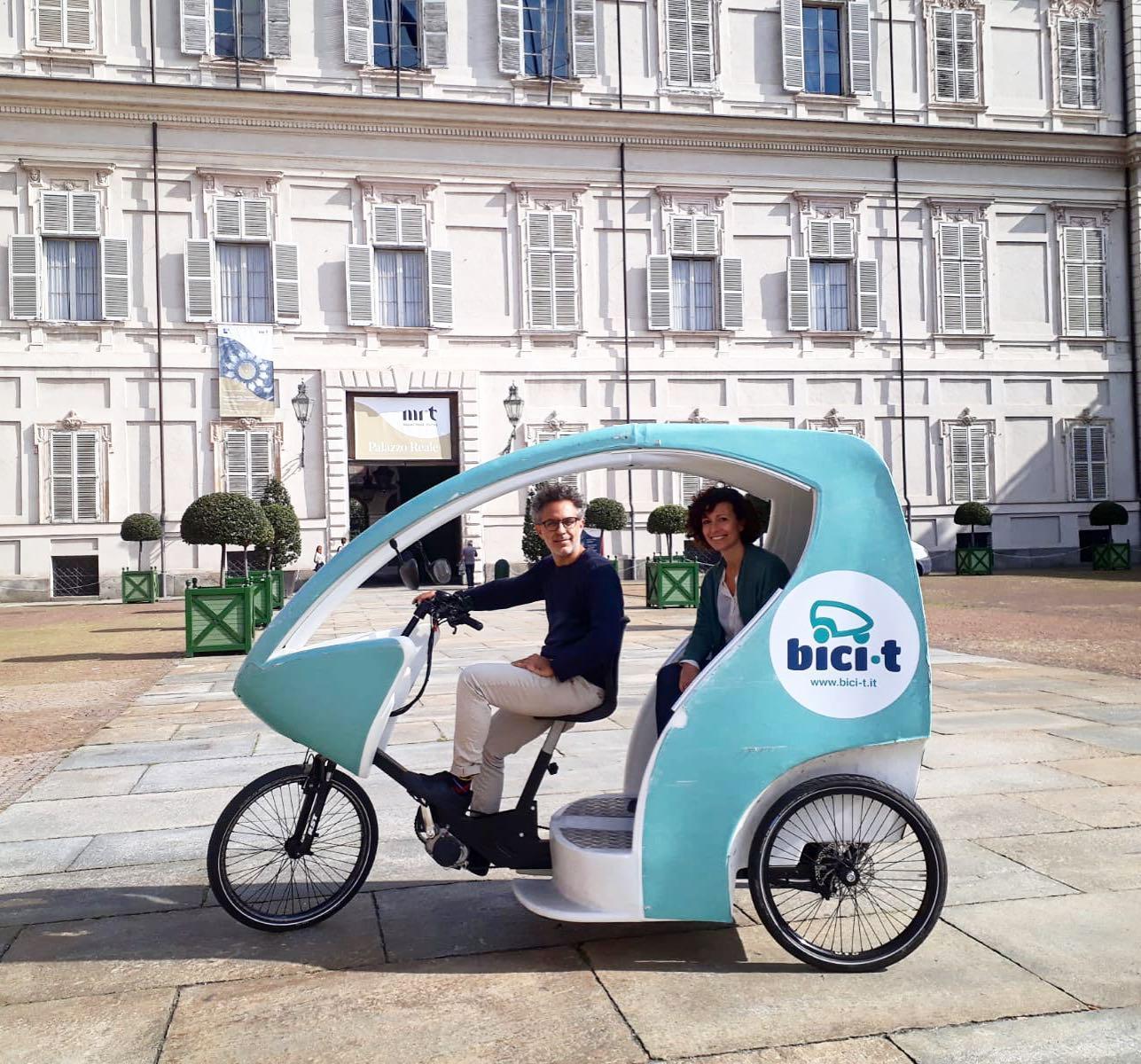 Bici-t, il trasporto turistico sostenibile a bordo di risciò per scoprire Torino